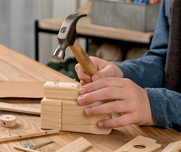 Young Woodworkers Kit Club Woodworking Subscription Service For Kids